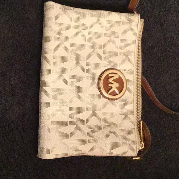 Michael Kors Handbags - M.K. Crossbody bag
